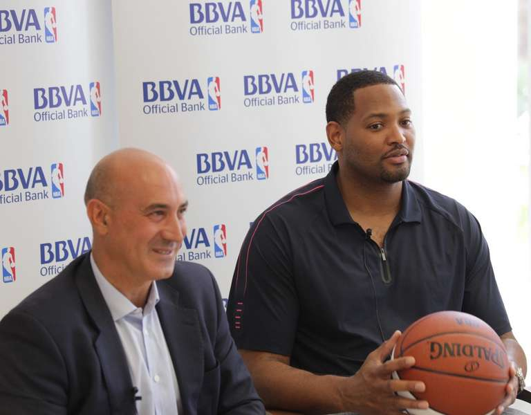 Entrevista a robert horry soy un enorme fan de pau gasol for Oficina bbva malaga