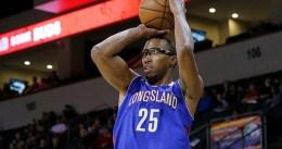Akil Mitchell firma por los Brooklyn Nets