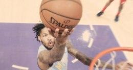 Los Lakers remontan y ganan en la prórroga a Washington