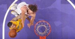 Los Lakers remontan 19 puntos para ganar a los Bulls