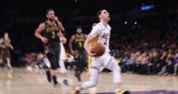 Los Lakers se dan un respiro y vencen a los Hawks