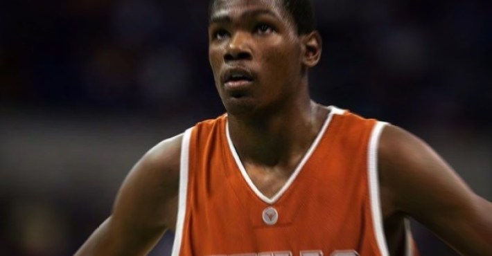 Kevin Durant dona 3 millones de dólares a la Universidad de Texas