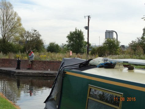 Rodbaston lock beside the M6 motorway. Glad we are on the canal. You can just see the motorway sign.