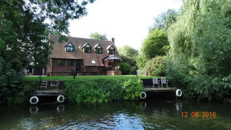 one of the many lovely houses along the riverbank. I'll have this one if we win the premium bonds!