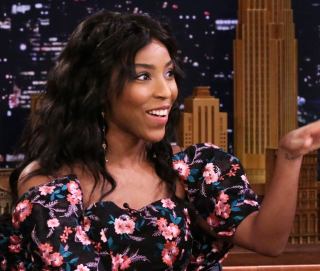 190206_3903585_jessica_williams_blacked_out_while_interview Jpg