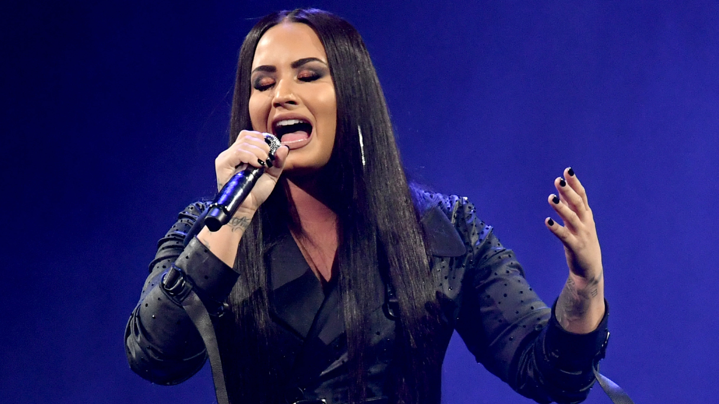 Demi Lovato Performs At The Forum_402535