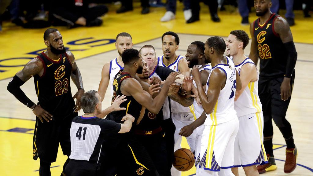 NBA Finals Cavaliers Warriors Basketball_1528110126989