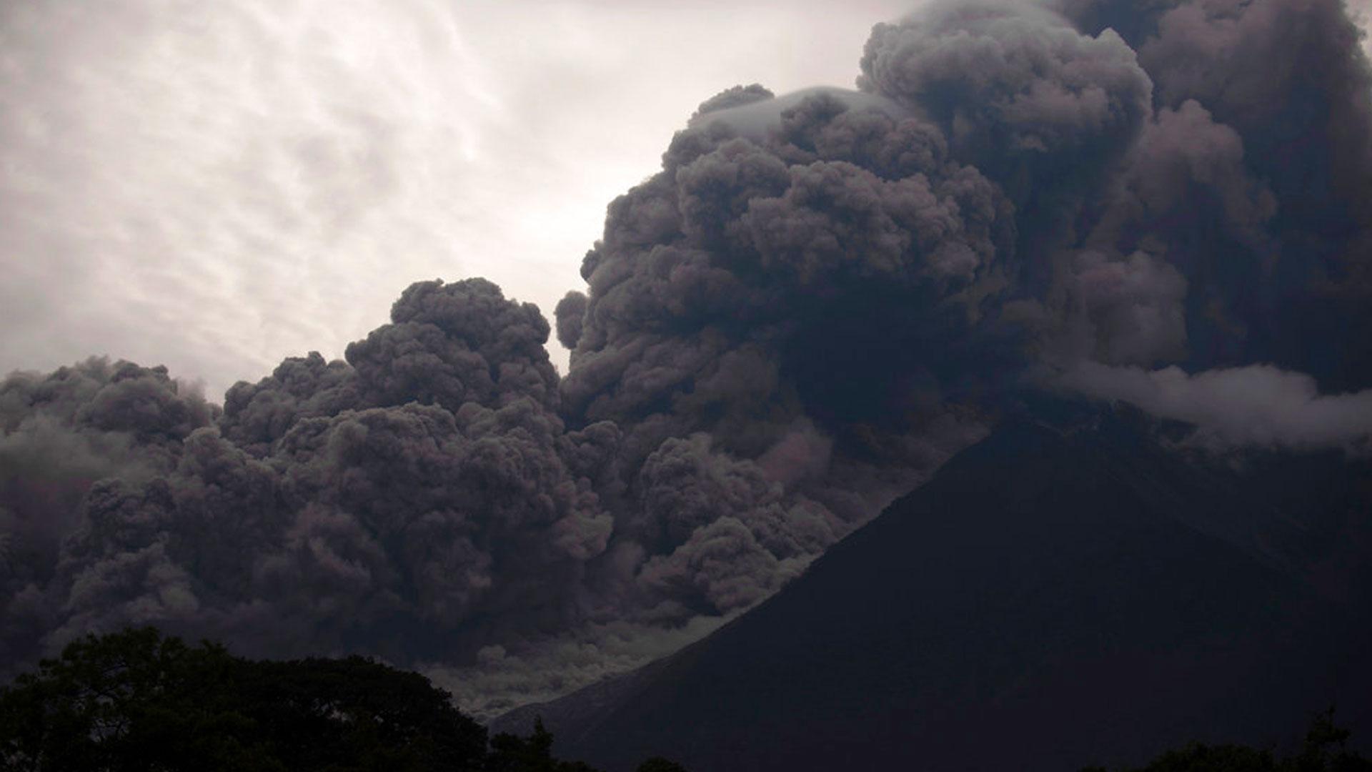 guatemala-volcano_1528128336919.jpg