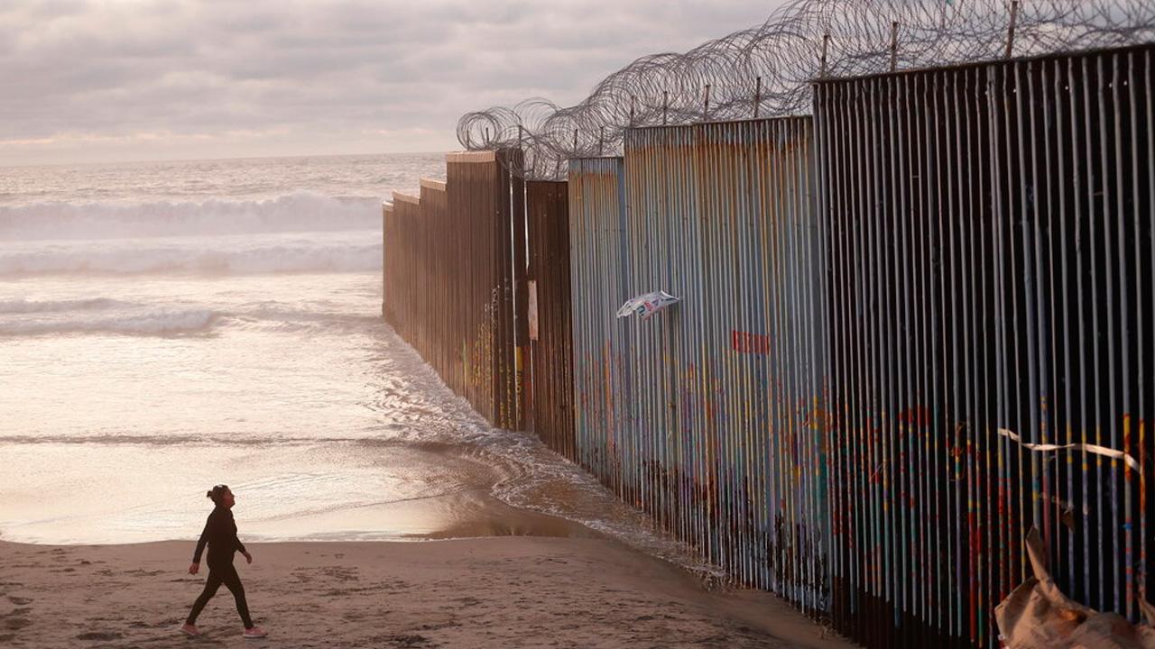 border wall_1551092519358.jpg.jpg