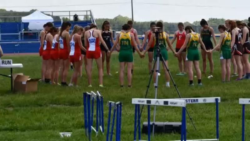 Peebles HS athlete recall plane crash, prayer circle