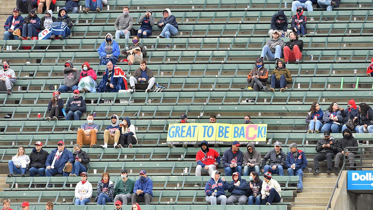 Cleveland Indians fans sign