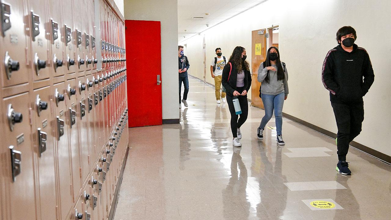 Los Angeles school hallway covid masks