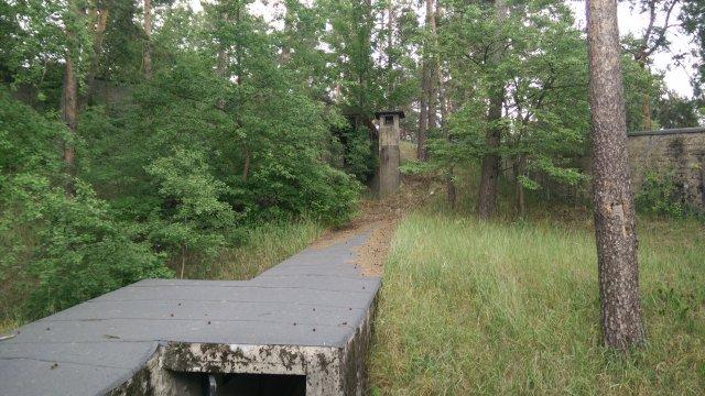 Bunkeranlage mit Lüftungsturm