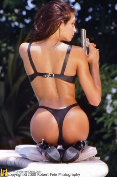 gun-girl-angelataylor4