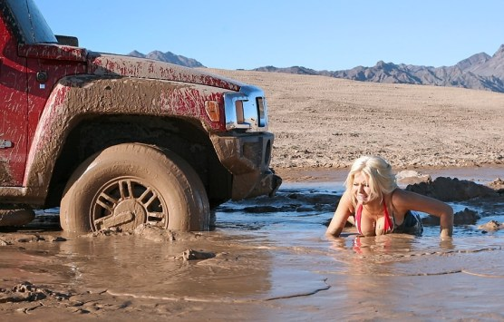 muddy_girl_stuck_in_mud_with_h3_010