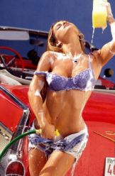 erotic_car_wash_640_20
