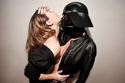 Hot-Chicks-Darth-Vader-Helmets-10
