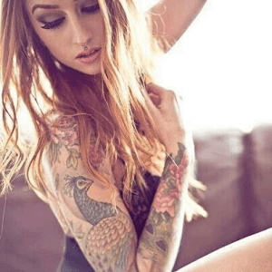Inktgodinnen: meisjes met een tattoo (5)