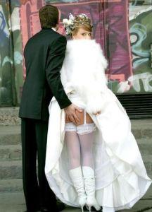 Gelukkig hebben we de trouwfoto's nog