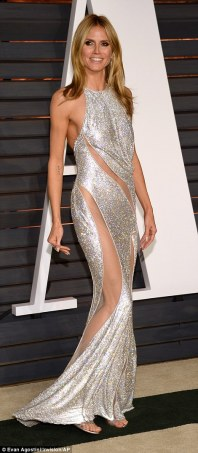 25FC139800000578-2964931-The_model_looked_stunning_in_her_revealing_silver_dress-a-86_1424691030915