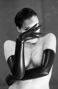 gloves-smoke