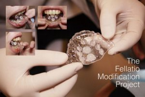 Een gebitsprothese voor orale seks