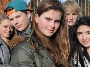 Nederlandse jongeren beginnen pas later aan seks (en volwassenen neuken ook steeds minder)