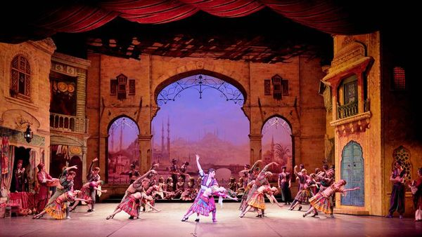 english_national_ballet_dancers_in_le_corsaire_c_laurent_liotardo600-.jpg
