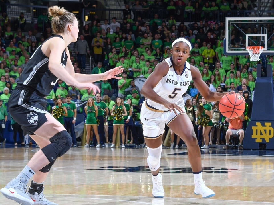 Women S Basketball Rankings Notre Dame Back At No 1 In