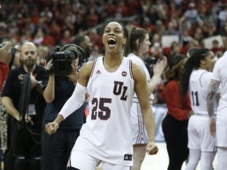 Women S College Basketball Rankings Louisville Moves Up
