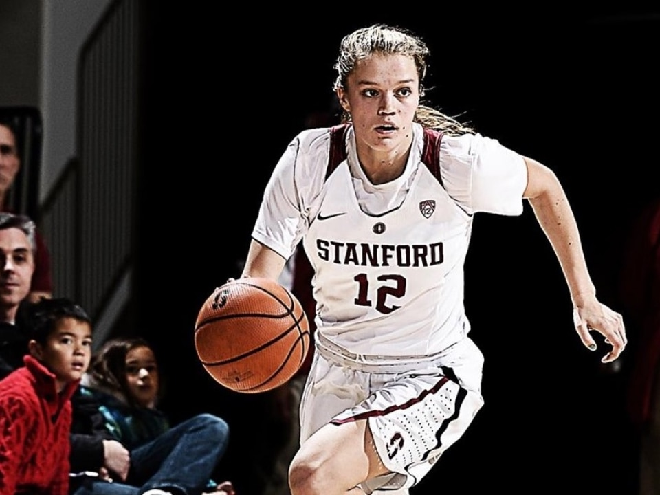 Women S Basketball Rankings Stanford Back In Latest Ap