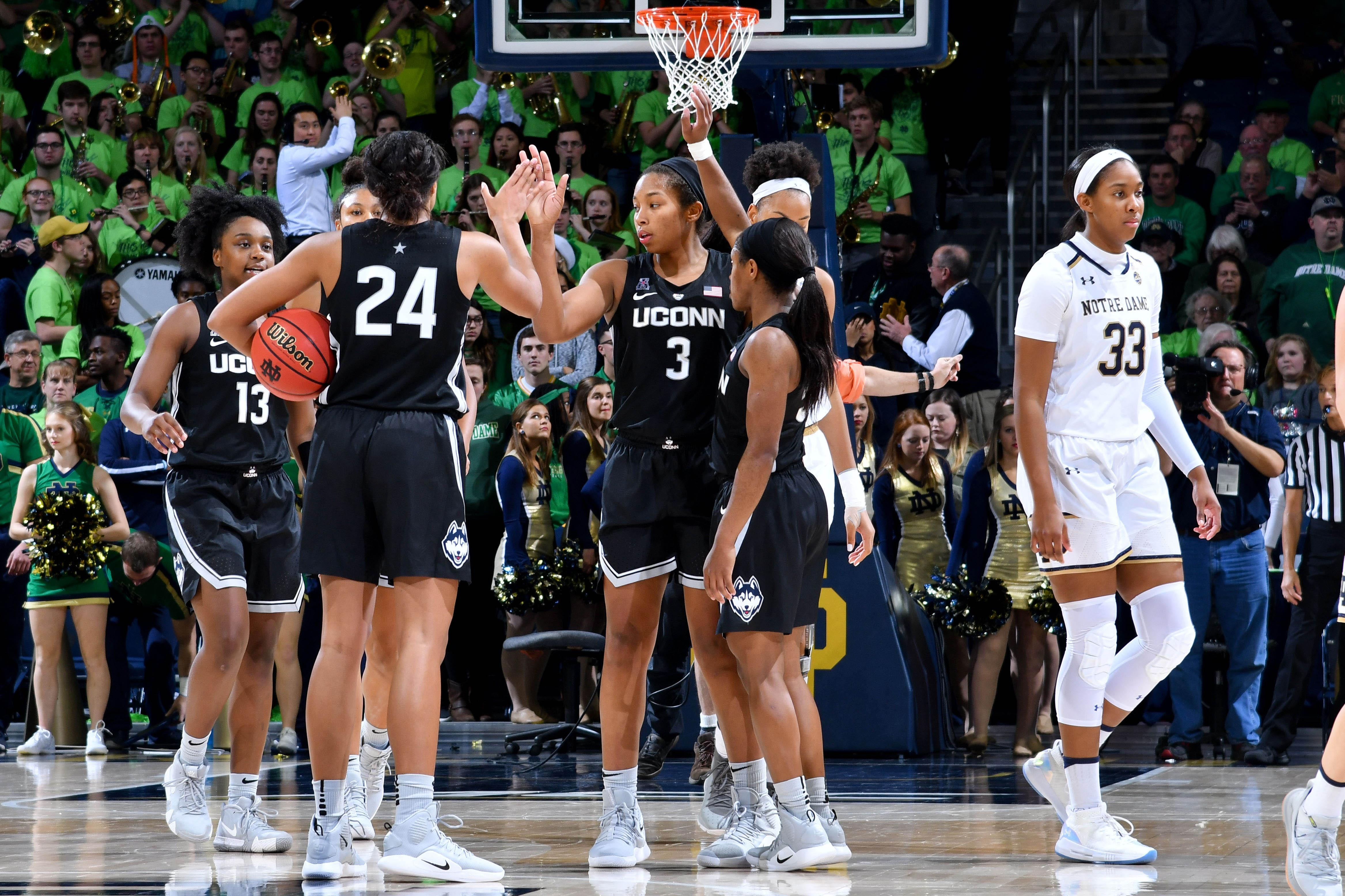 Women S College Basketball Rankings Uconn Back To No 1