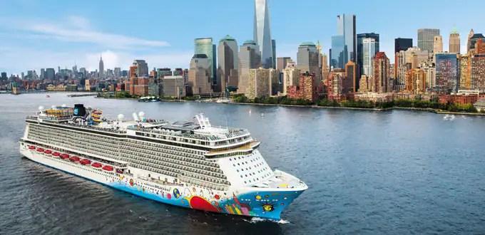 girls-kissing-erotic-carribean-cruises