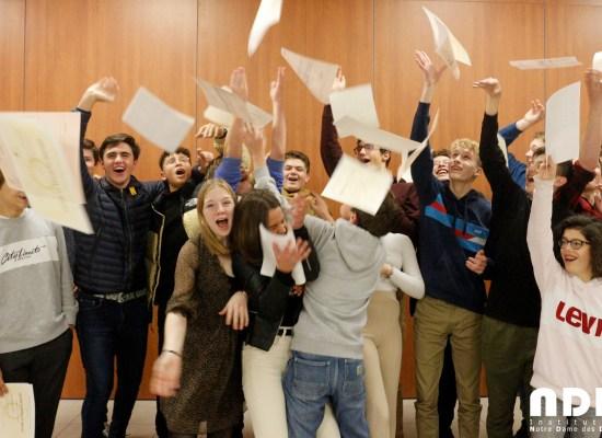 Cérémonie de remise du diplôme national du brevet pour les lauréats du collège.