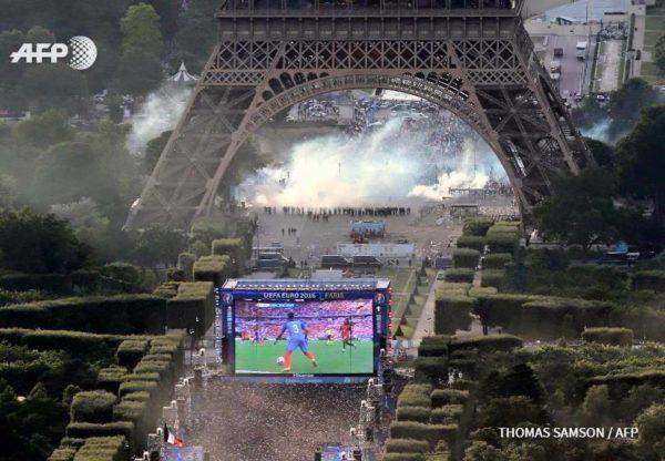 Euro 2016 : les émeutes de la Tour Eiffel vues du ciel
