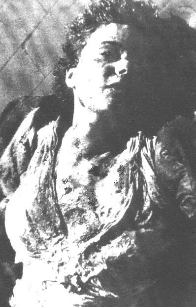 Risultati immagini per foto cadavere clara petacci