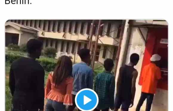 'Fall Down & Die Dance' Challenge Hits UNIBEN ATM And UNIZIK Lecture Hall (video)