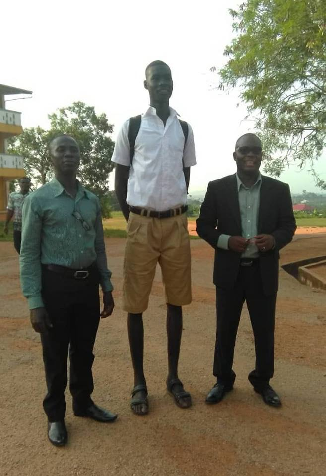 Ghanian 14 years Old Student is the Tallest In Ghana, He Is Just 14 Years Old(Photos) 1