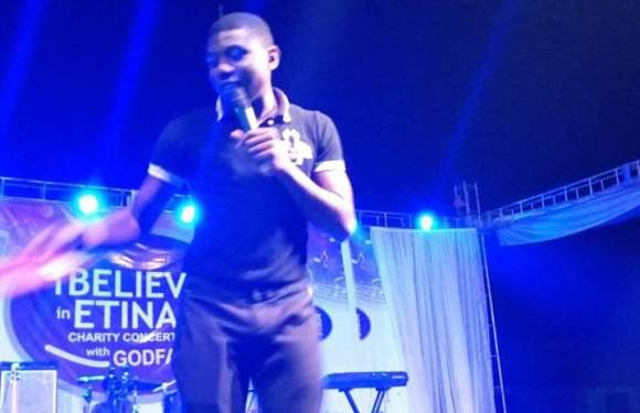Top Comedian, MC Holly's Thing Goes Hard While on-Stage (Photos)
