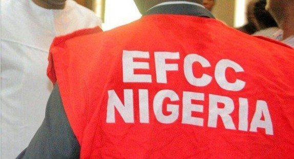 EFCC Arrests Blogger Behind Fake 'EFCC Cell' Tweet (Pix)