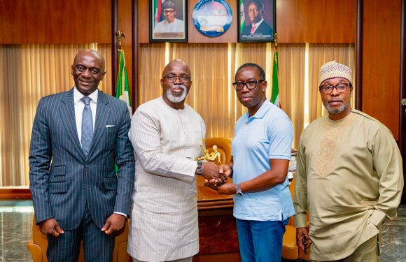 Delta Governor, Ifeanyi Okowa wins NFF 'Football Friendly Governor' Of The Year (Pictures)