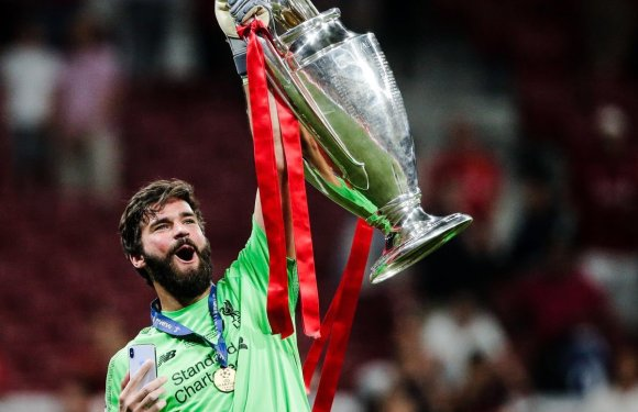 Liverpool Alisson Becker Named 2019 UEFA Goalkeeper Of The Year (Photos)