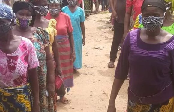 Voters in Cross River observes COVID-19 guidelines at LG elections