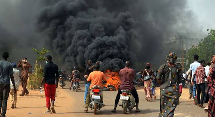 Two feared dead, palace razed over land tussle in Ondo communities