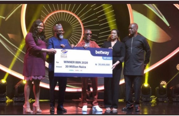 BBNaija 2020: Laycon receives N30m, car, house keys [PHOTOS]