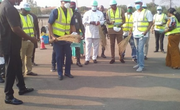 Buhari's minister, Onyeama flags off FG's SPW for 17,000 Enugu youths