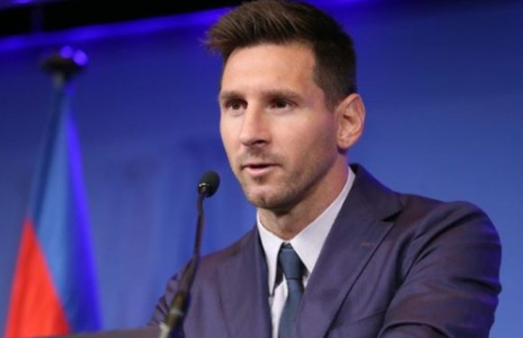 Lionel Messi arrives in France, to sign for PSG [VIDEO]