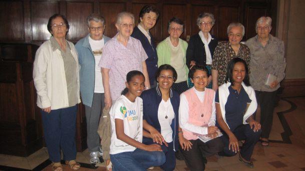 sisters_rio_school