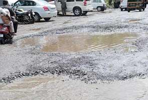 Ulhasnagar_pothole_295.jpg