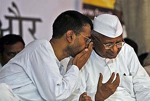 Team Anna disbanded, blogs Anna Hazare, creating surprise and regret